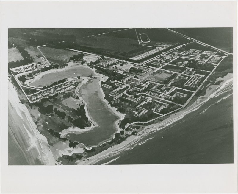 Campus Plan -- Pereira and Luckman